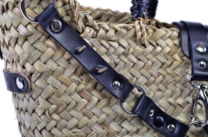 Borsa di paglia con rifiniture in cuoio e borchie - Modello DARK - Dettaglio