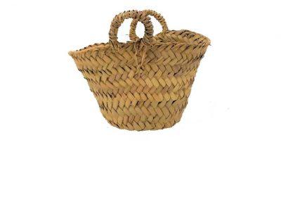 cesto di paglia di palma nana